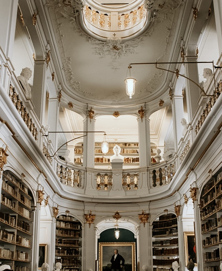 Weimar: Anna Amalia's famous library
